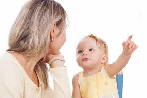 Käytännön harjoituksia, joilla opetat lastasi puhumaan