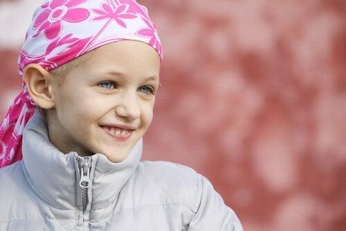 Pienille sankareille, jotka taistelevat lapsuudessaan syöpää vastaan