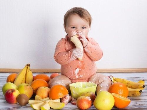 Älä koskaan anna näitä 7 ruokaa vauvalle