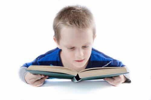 Doman-metodi opettaa lukemaan varhaislapsuudessa