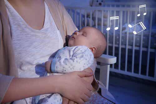 Parhaat tuutulaulut vauvallesi