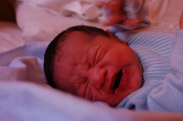 5 niksiä itkevän vauvan rauhoittamiseksi
