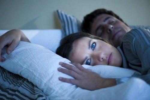 Lapsi ei nuku omassa sängyssä