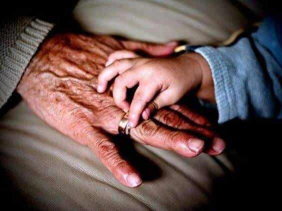 Miksi äidinpuoleinen isoäiti voi olla erityisen merkityksellinen?