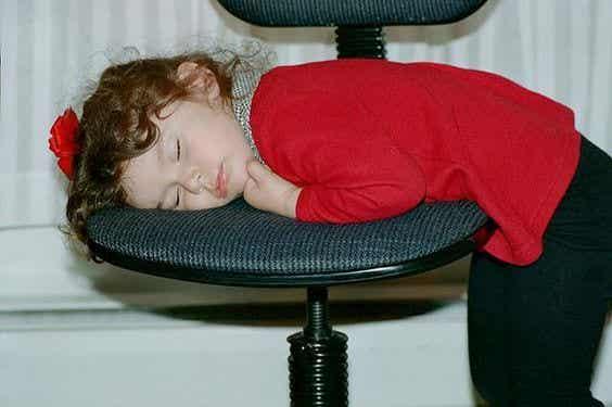 Lasten myöhäinen nukkumaanmeno on haitaksi