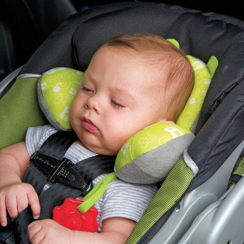 Älä koskaan jätä lastasi turvaistuimeen nukkumaan