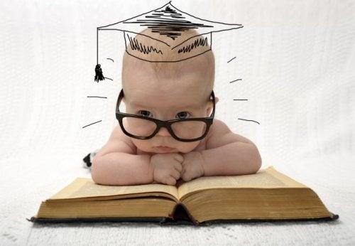 Kolme- ja nelikymppiset naiset synnyttävät älykkäämpiä lapsia
