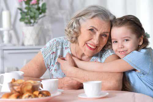 Myös isänpuoleinen isoäiti on tärkeä lapsenlapsille