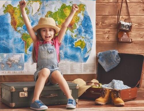 Lasten kanssa matkustelu - mitä hyötyä siitä on?