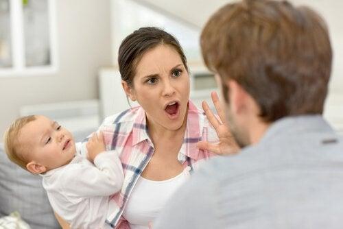 Lasten edessä riiteleminen on iso virhe