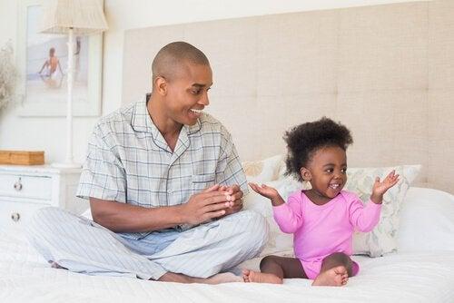 Avoin kommunikaatio suojelee lasta hyväksikäytöltä