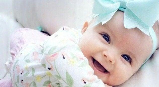 40 suosittua englanninkielistä nimeä tyttövauvalle