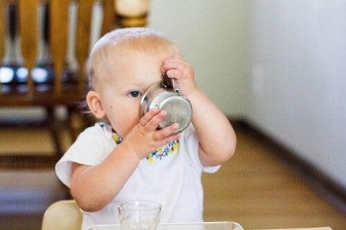 Milloin vauvan vedenjuonnin tulisi alkaa?