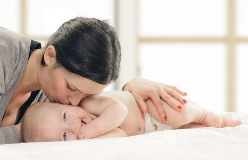 vauvan kolmas kuukausi