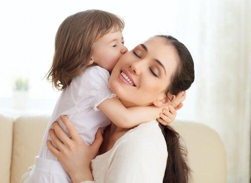 Elämä hymyilee sinulle päivänä, jolloin sinusta tulee äiti