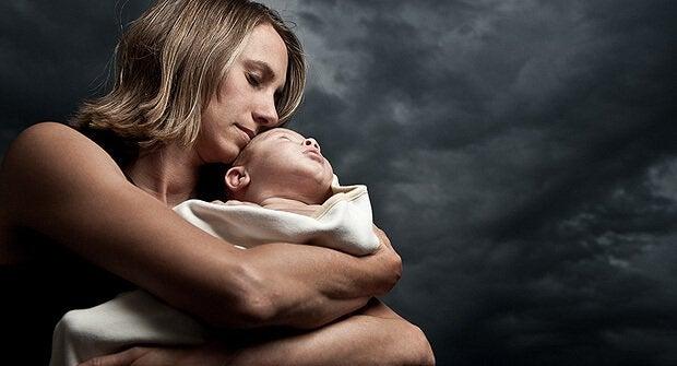 Synnytyksen jälkeinen herkkä aika