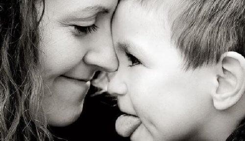 Äiti, hidasta tahtiasi, en ole lapsi ikuisesti!