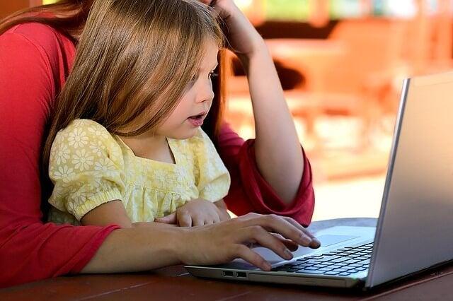 Onko äitiys ja opiskelu mahdoton yhdistelmä?