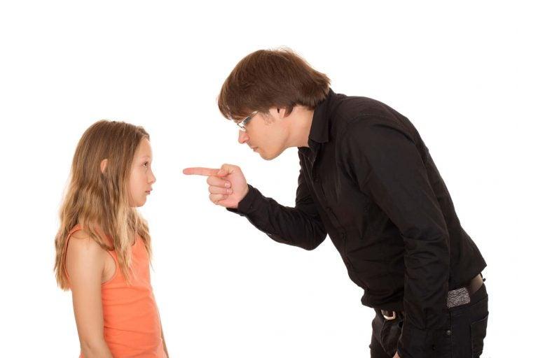 Vanhempien huonotuulisuus voi aiheuttaa syyllisyyttä