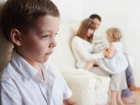 Onko totta, että jokaisella vanhemmalla on suosikkilapsi?
