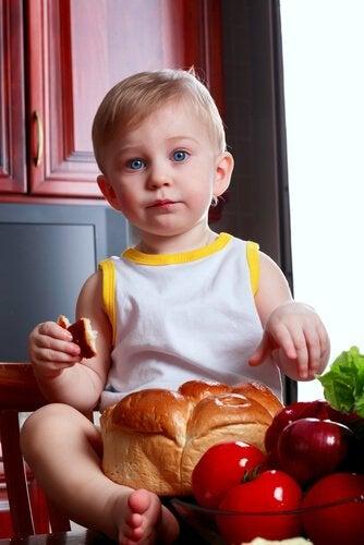 Miksi lasta ei saa pakottaa syömään?