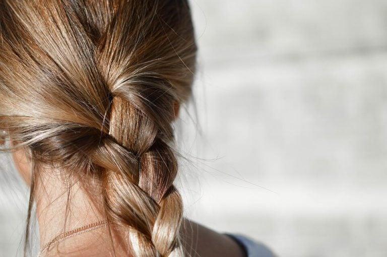 Yksinkertaiset hiustyylit kiireisille äideille