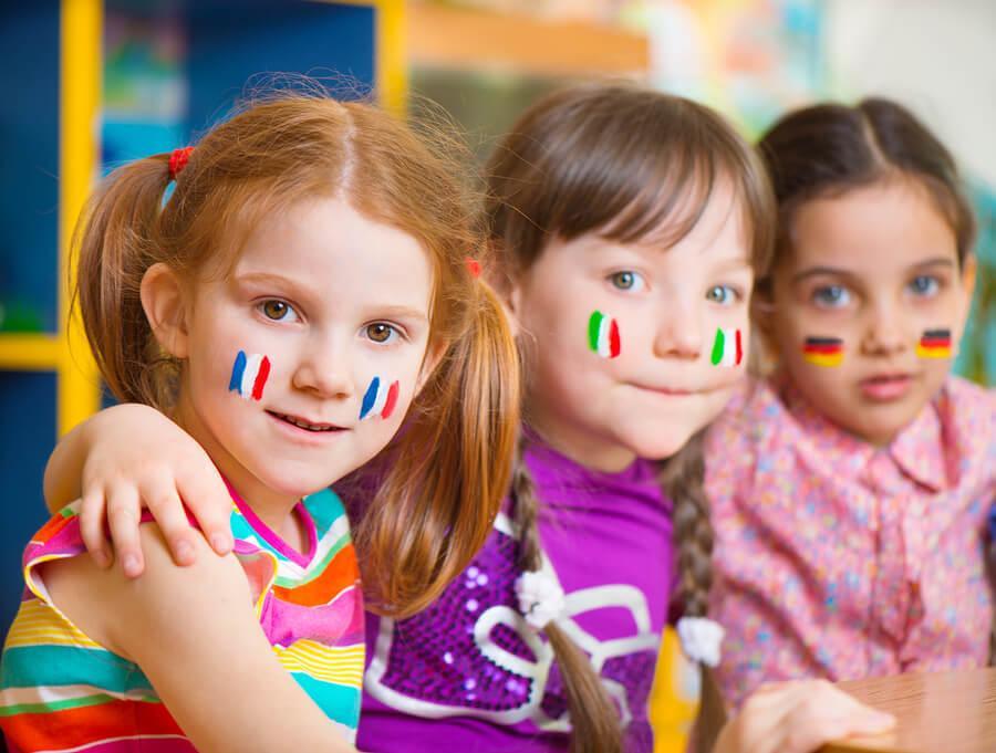 Vinkkejä kaksikielisten lasten kasvattamiseen