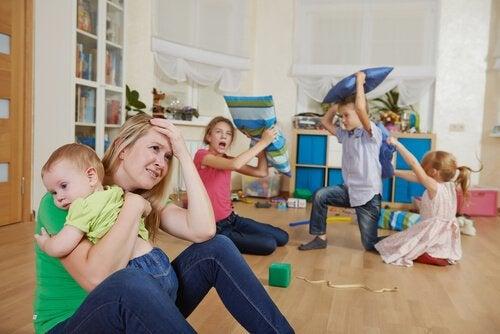 Tehokkaat ajanhallintakeinot sotkuisen kodin välttämiseksi