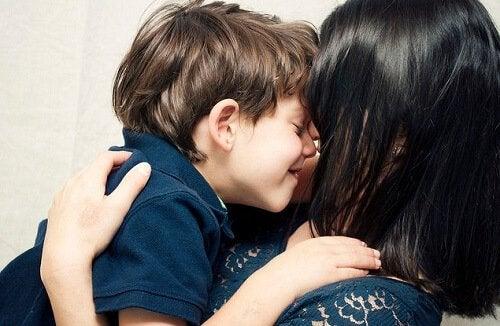 Kuinka saada lapsi tuntemaan itsensä ainutlaatuiseksi – 4 vinkkiä
