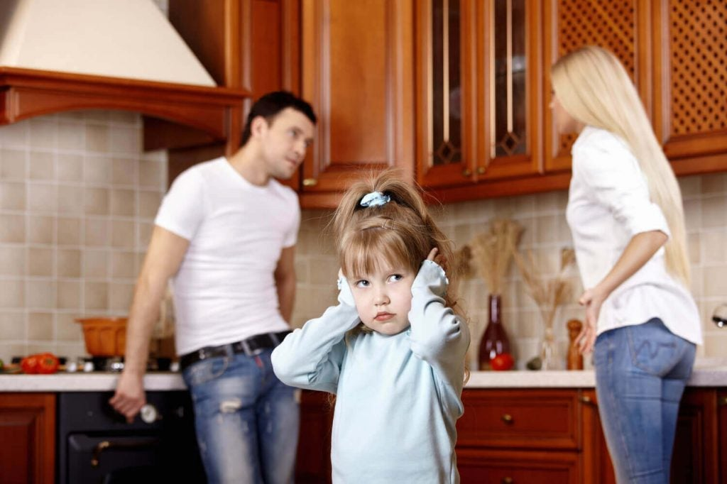 Vanhempien huonotuulisuus voi vaikuttaa lapsen emotionaaliseen kehitykseen