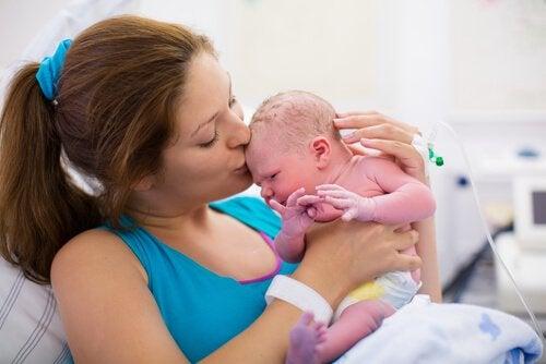 Siteen luominen vauvaan
