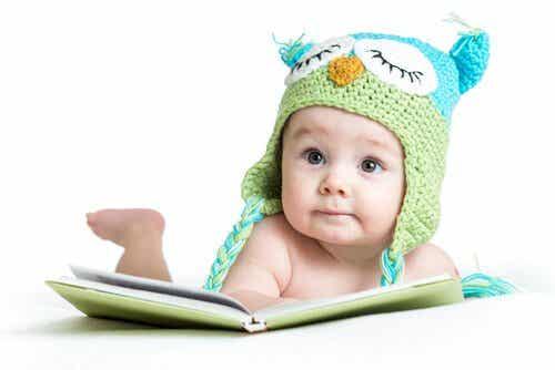 Vauvan aistien stimulointi 0-6 kuukauden iässä