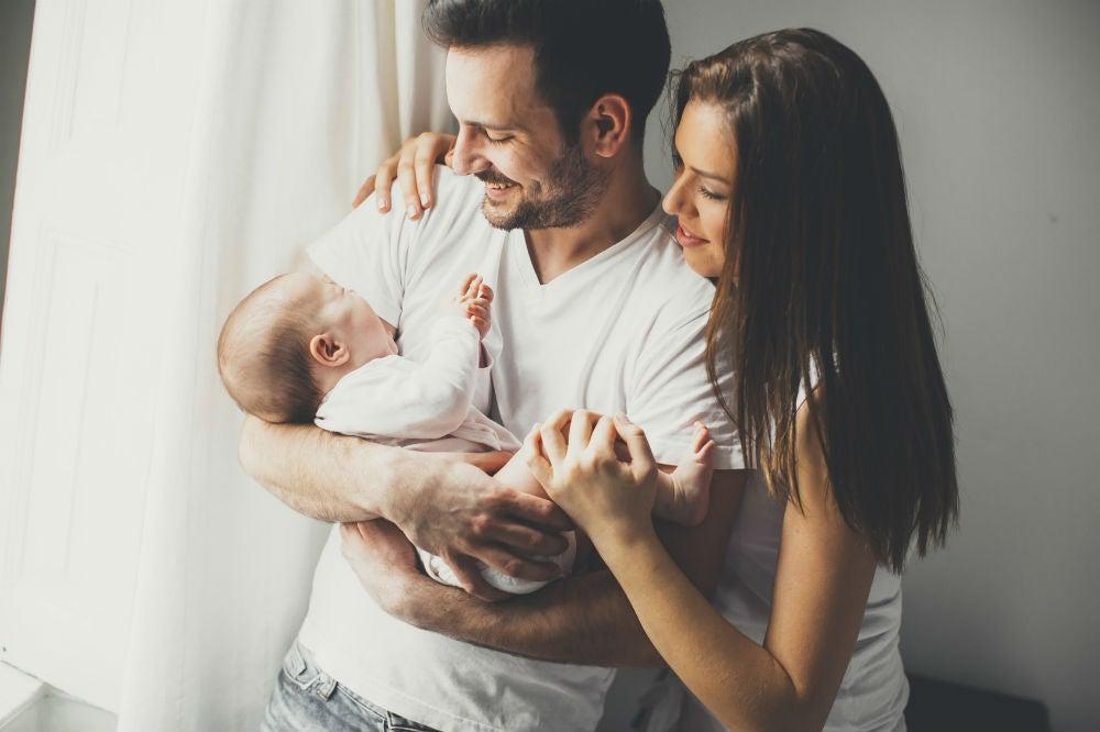 Vauvan syntymä vahvistaa vanhempien välistä rakkautta
