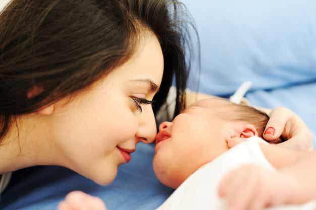 Vauvan aivojen kehitys - avainsana on rakkaus
