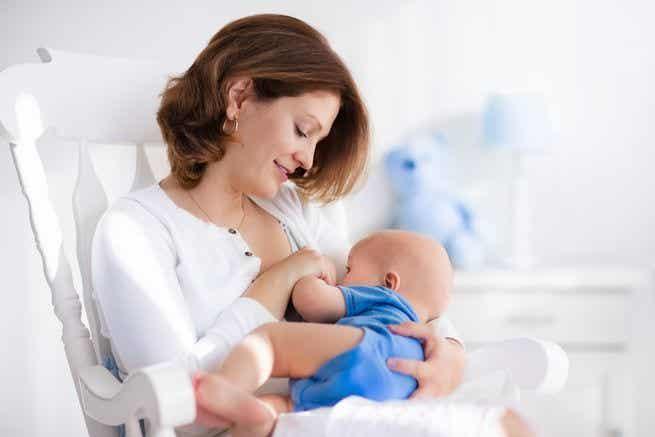Millainen on ihanteellinen imettävän äidin ruokavalio?