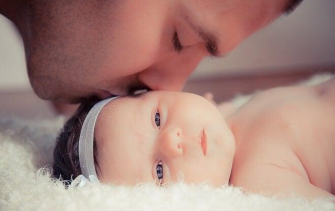 Isä opettaa tyttärelleen elämän tärkeimmät opit