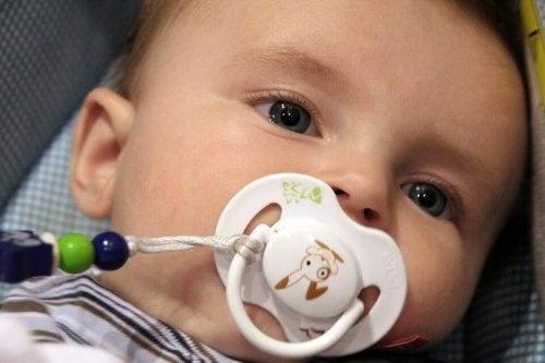 Vauvan tutin käyttöön liittyy monia myyttejä