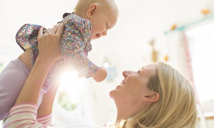 Kuukautiset synnytyksen jälkeen – mitä sinun tulee tietää