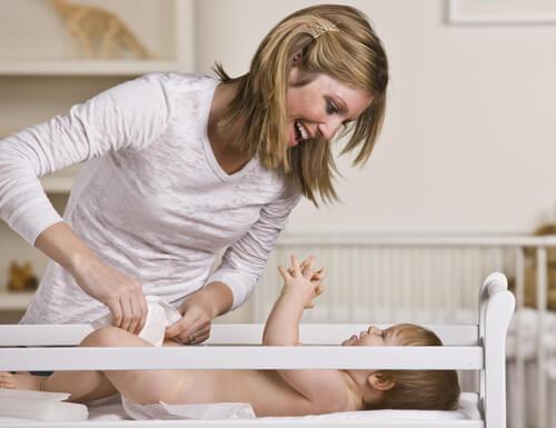 Äitiys on opastamista, auktoriteettia ja rakastamista