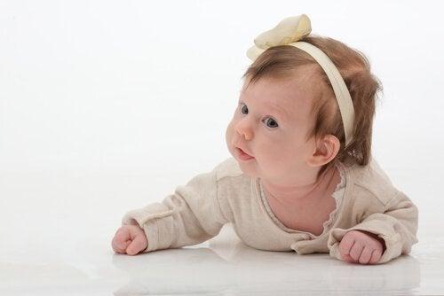 Vauvojen hiuspannat ja nauhat