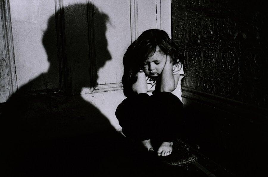 Fyysisen kurituksen seuraukset lapselle