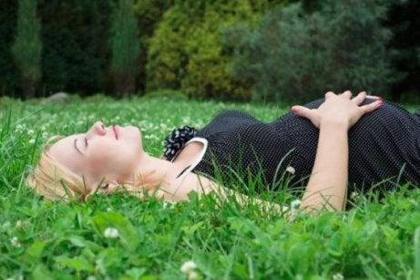 Näin nukut paremmin raskauden aikana