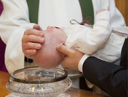 Miten ristiäiset kannattaa järjestää?