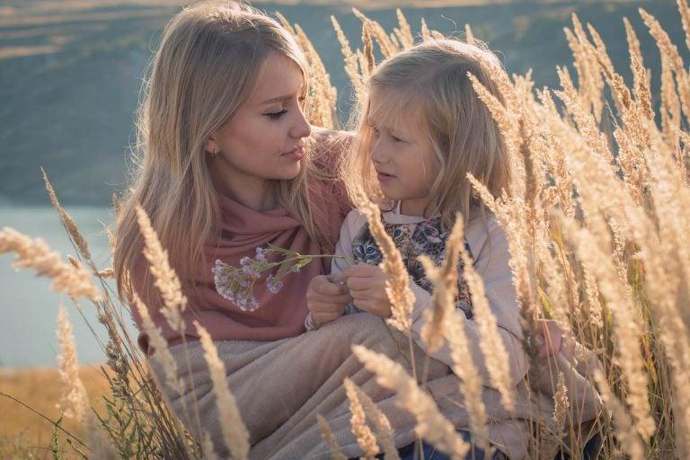 Täti on tärkeä osa lapsen elämää