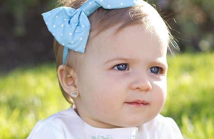 Mikä on paras ikä lapselle ottaa reiät korviin?
