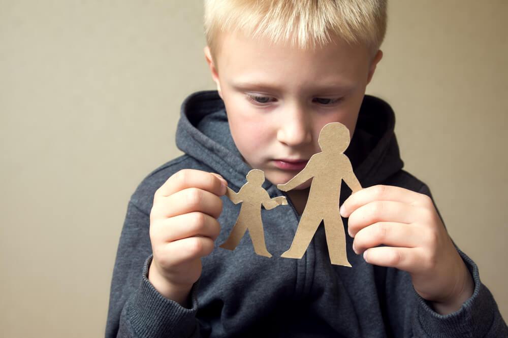 Älä asetu lapsesi ja entisen kumppanisi väliin