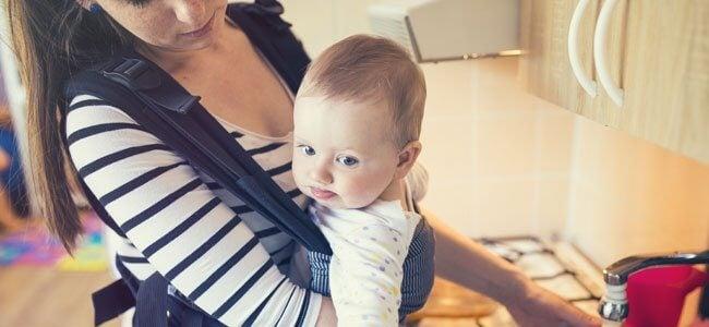 Rintarepussa kantaminen on hyväksi lapsen kehitykselle