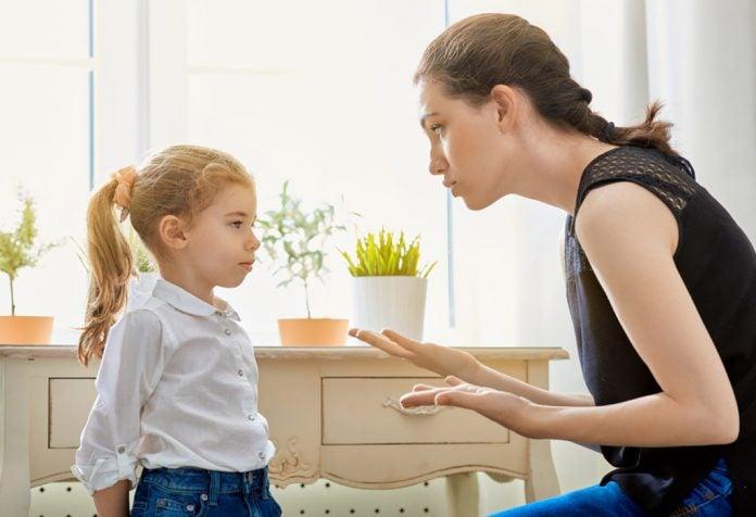 Vanhempien tulisi välttää liiallista rankaisemiseen tukeutumista