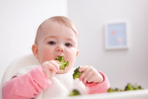 6 neuvoa vauvasi painon hallitsemiseksi