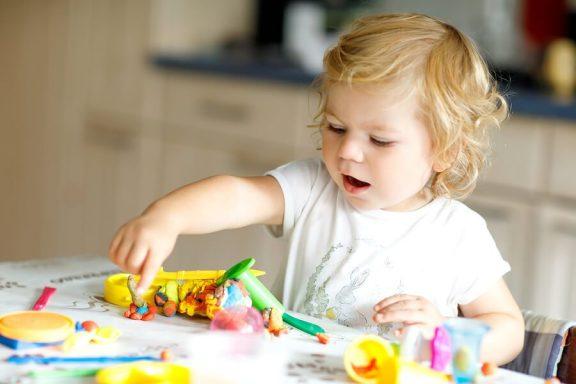 Kehittävät lelut 2-vuotiaalle - 8 vinkkiä